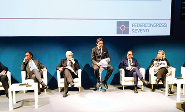 Il futuro dell&#8217;Ecm: tra dossier formativo <br />(nel 2017)  e tecnologie interattive <br />per corsi e congressi