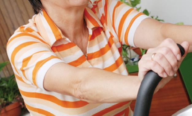 Esercizi terapeutici per osteoartrosi <br />di ginocchio sono sicuri <br />anche in età avanzata