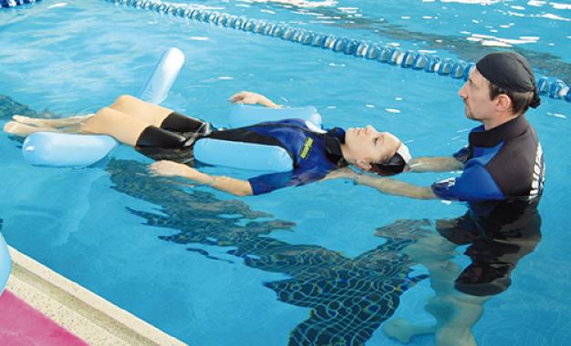 Biomeccanica della riabilitazione: <br />esercizi a terra vs esercizi in acqua